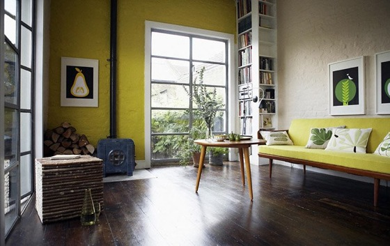 yellow-living-room-with-green-botanical-accents