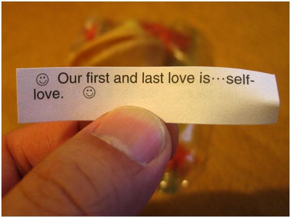 Nosso primeiro e último amor é... amar a si mesmo.